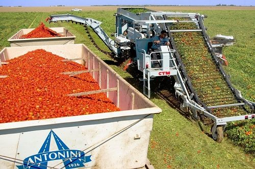 Sững sờ với 4 chiếc máy nông nghiệp hiện đại nhất thế giới
